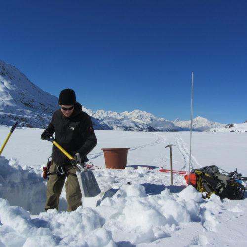 Beben im Eis verraten, wie schnell Gletscher fliessen