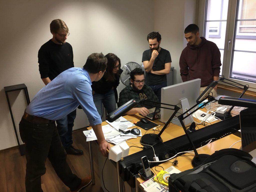 Team Higgs vor Computer