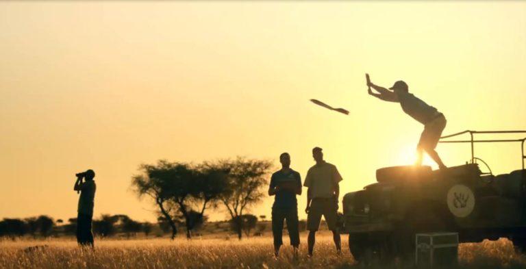 Guten Flug! Ein Schweizer Forscher schickt eine Drohne im Kuzikus Wildschutzreservat in Namibia auf Fototour.