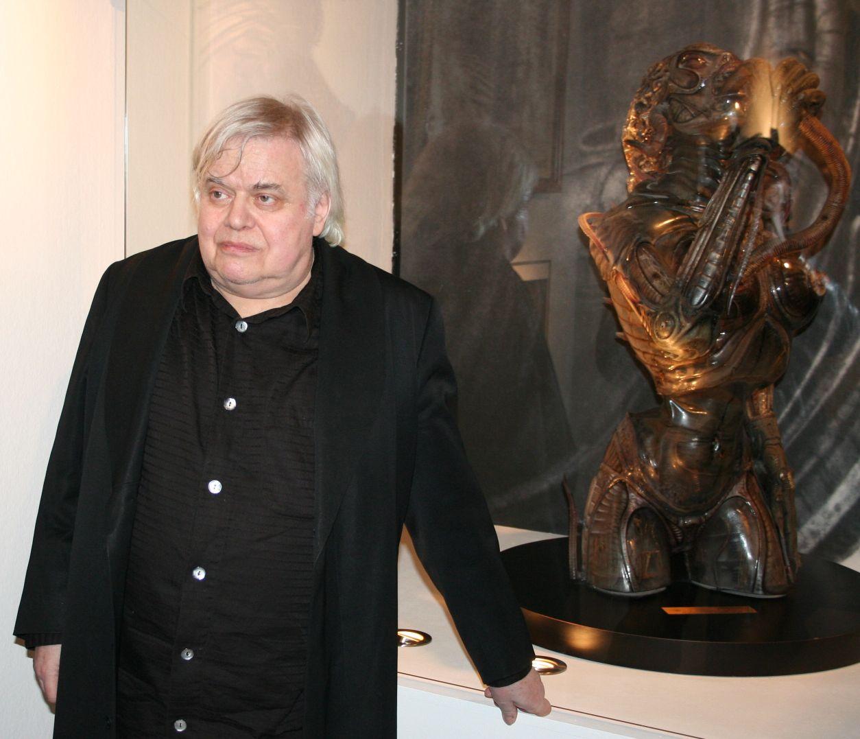 HR Giger 2009 bei einer Ausstellung in Frankfurt.