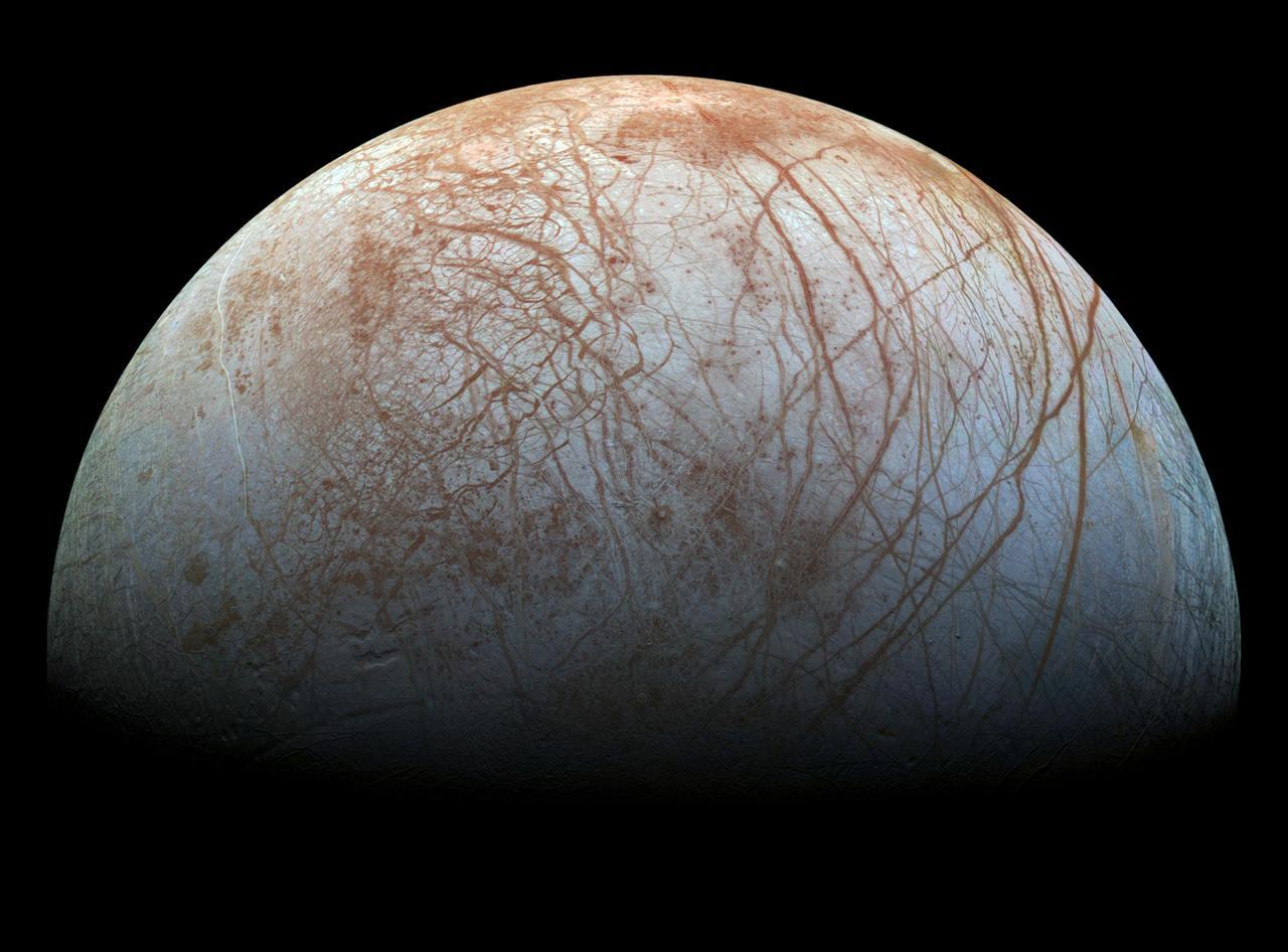Der Jupitermond Europa: Unter der Eisschicht vermuten Weltraumforschende eine riesigen Ozean. Experten halten es für möglich, dass sich dort Leben verbirgt. Die Aufnahme hat die Raumsonde Galileo geschossen.