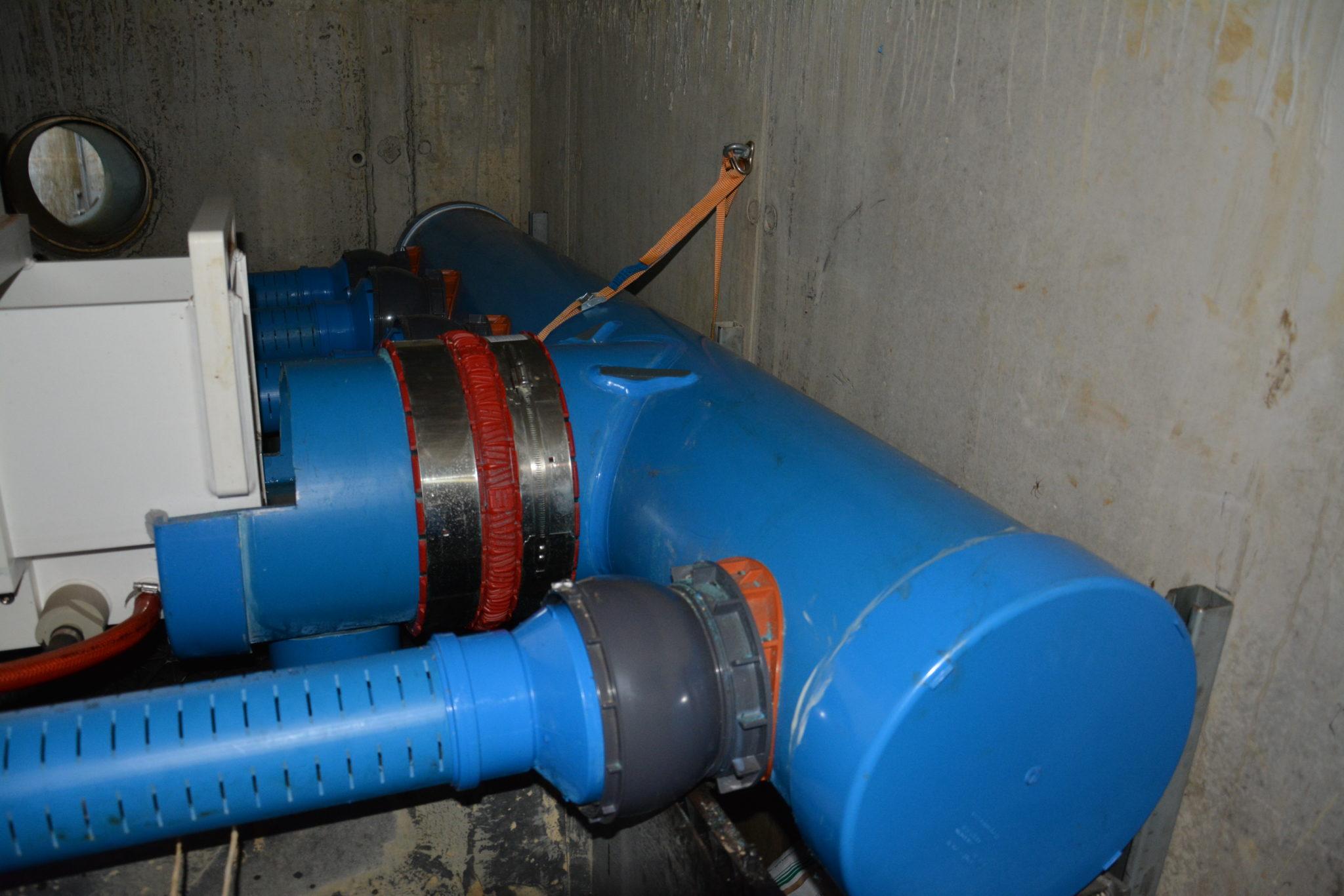 Die Pilotanlage zur Reinigung von Gleisabwasser filtert Glyphosat und andere unerwünschte Stoffe heraus, bevor das Wasser in umliegende Gewässer abfliesst.