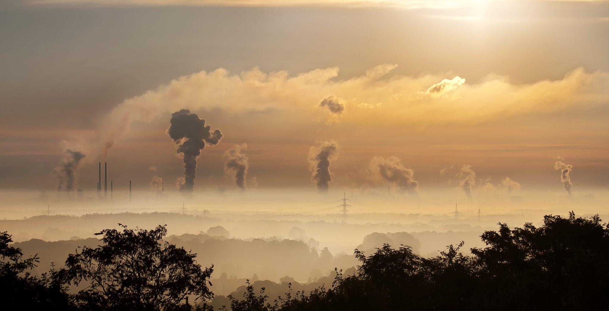 Kohlekraftwerke pusten viel Kohlendioxid in die Luft – das erwärmt die Erde in bedenklichem Ausmass.
