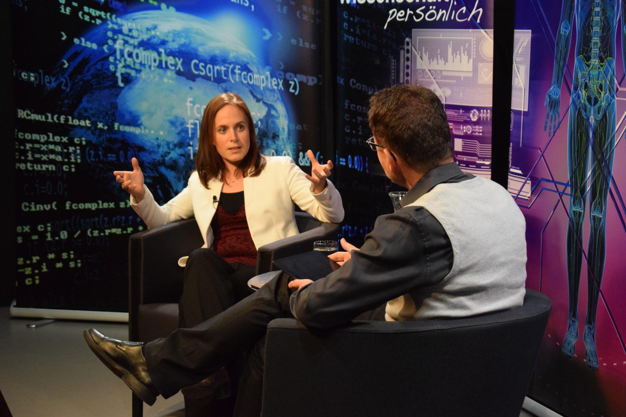 Gabriela Hug im Gespräch mit Beat Glogger bei «Wissenschaft persönlich».