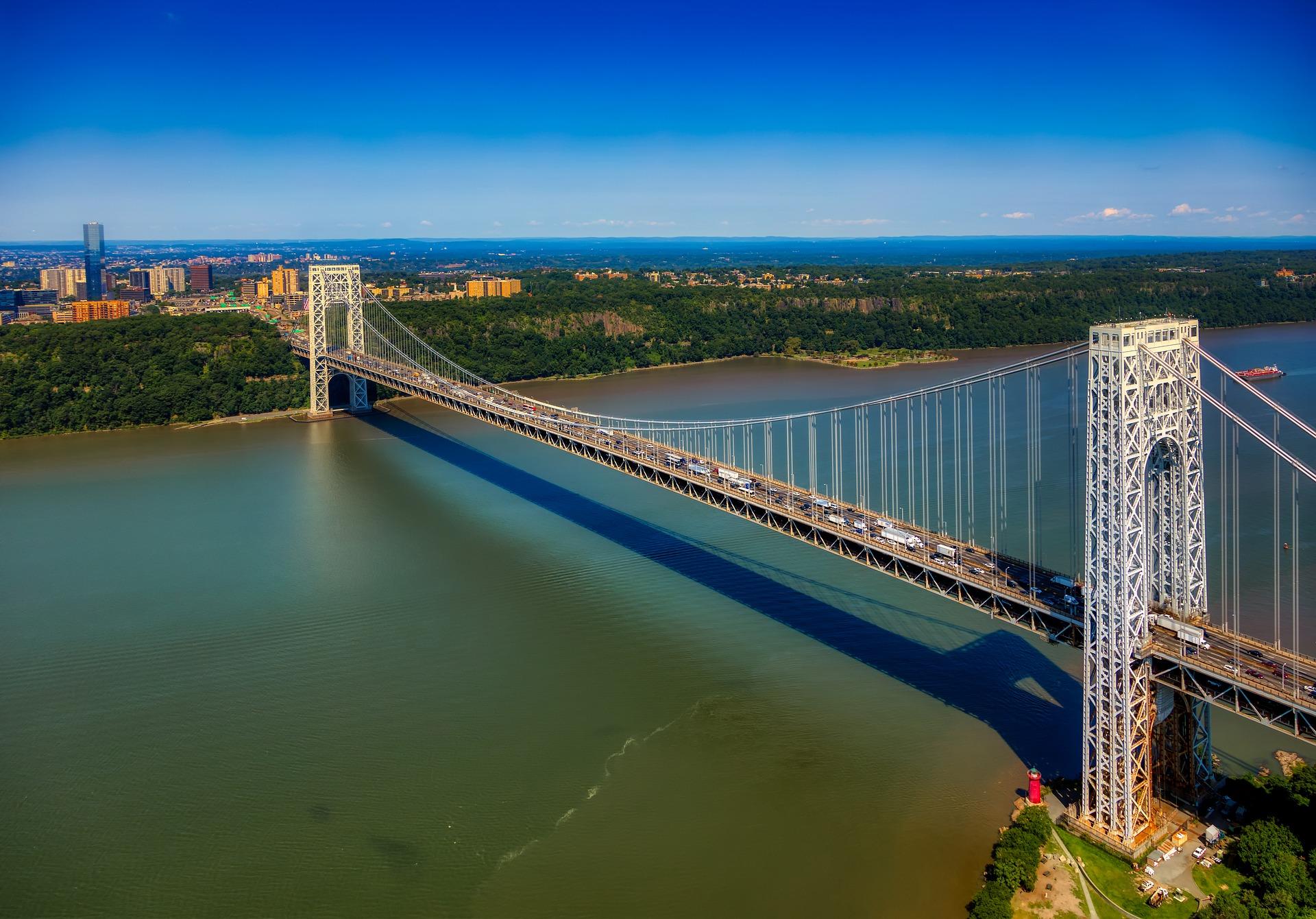 Die George Washington Bridge: eine der wichtigsten Verbindungen zwischen Manhattan und New Jersey. Eingeweiht 1931.