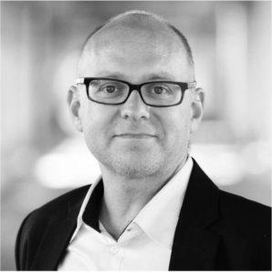 Christian Burger ist Gründungspräsident der Stiftung Wissen für alle. Er ist diplomierter Elektro-Ingenieur, Unternehmer und fördert als Business-Angel Start-Ups. Er ist Inhaber einer IT-Firma und zudem bei verschiedenen weiteren Firmen als Advisor und Verwaltungsrat tätig. Er wohnt mit seiner Familie in Zürich.
