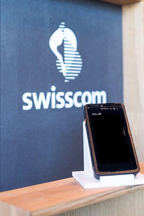Den ersten Prototyp eines 5G-Handys hat Swisscom schon vorgestellt – noch etwas klobig. Die kommerziell erhältlichen Geräte dürften dann deutlich schlanker sein.