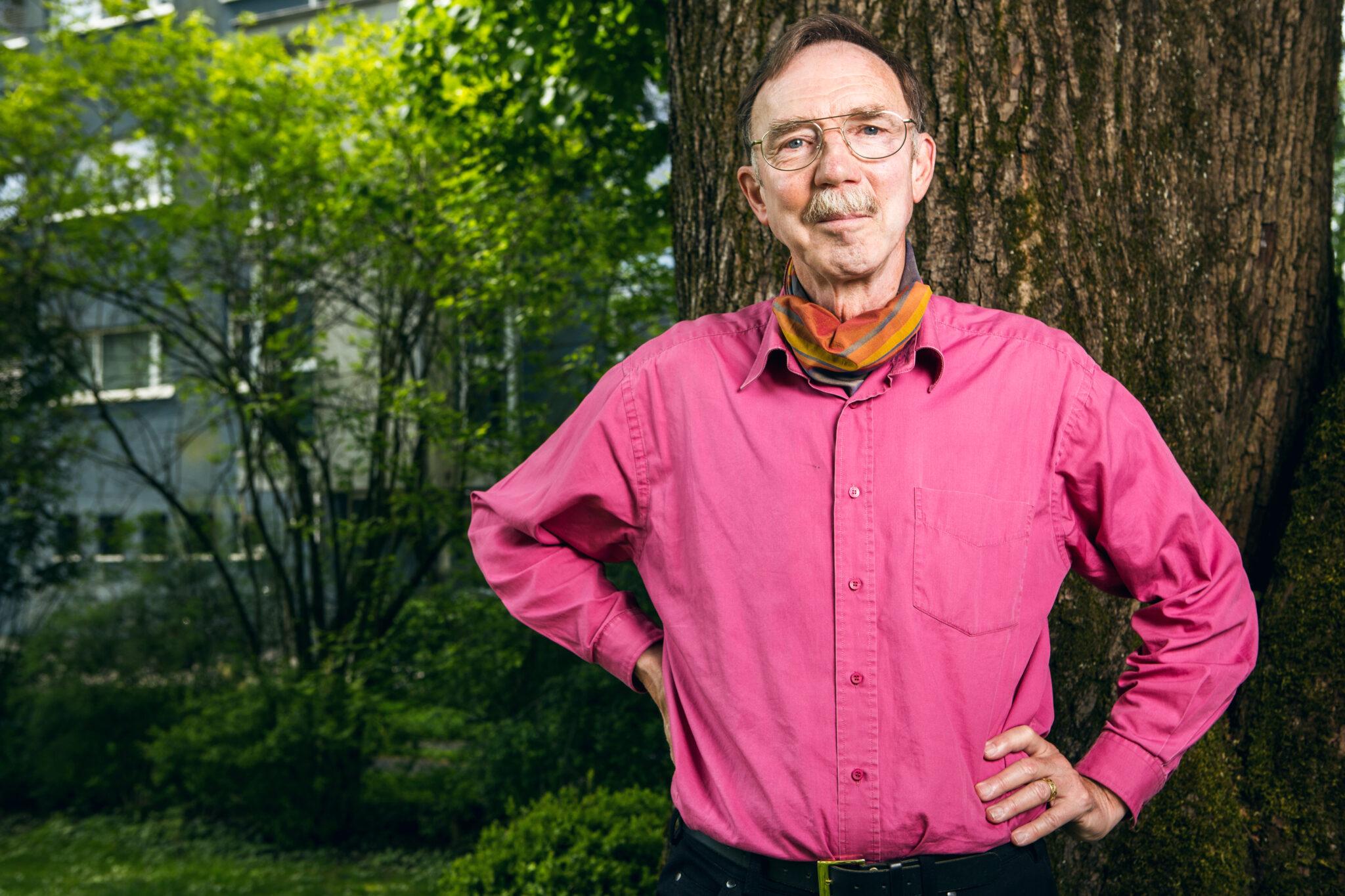 Der Neurologe Martin Schwab arbeitet an einer Therapie für Querschnittgelähmte.