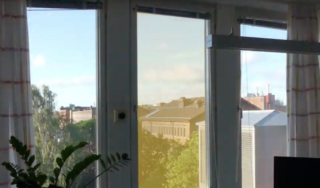 Gelbe Folie auf Fenster