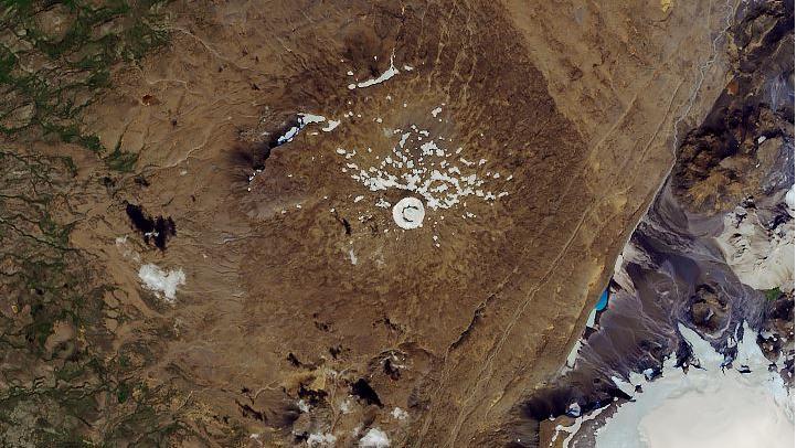 Satellitenbilder der Nasa zeigen den toten Gletscher Okjökull in Island.
