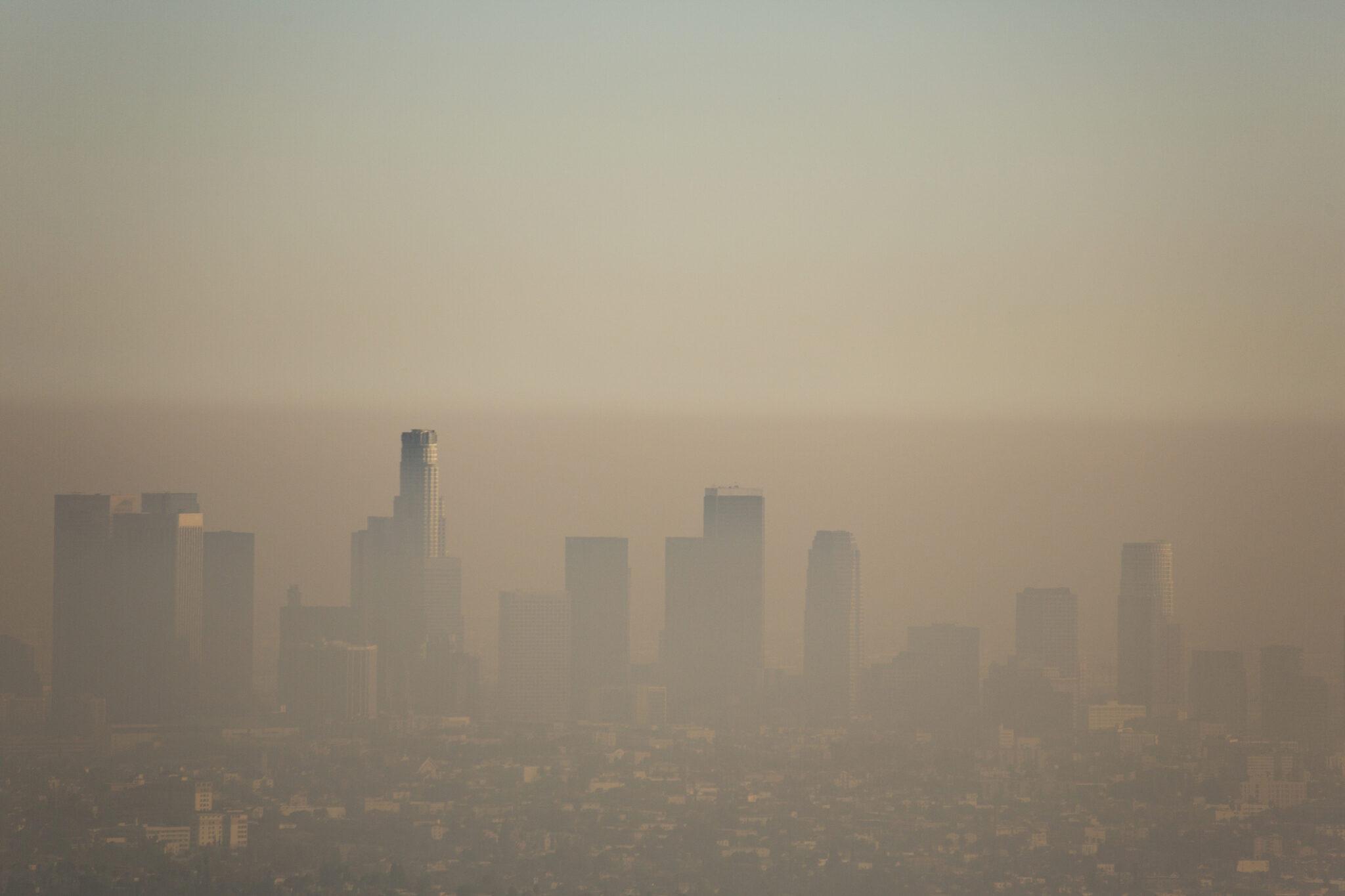 Los Angeles umgeben von Smog.