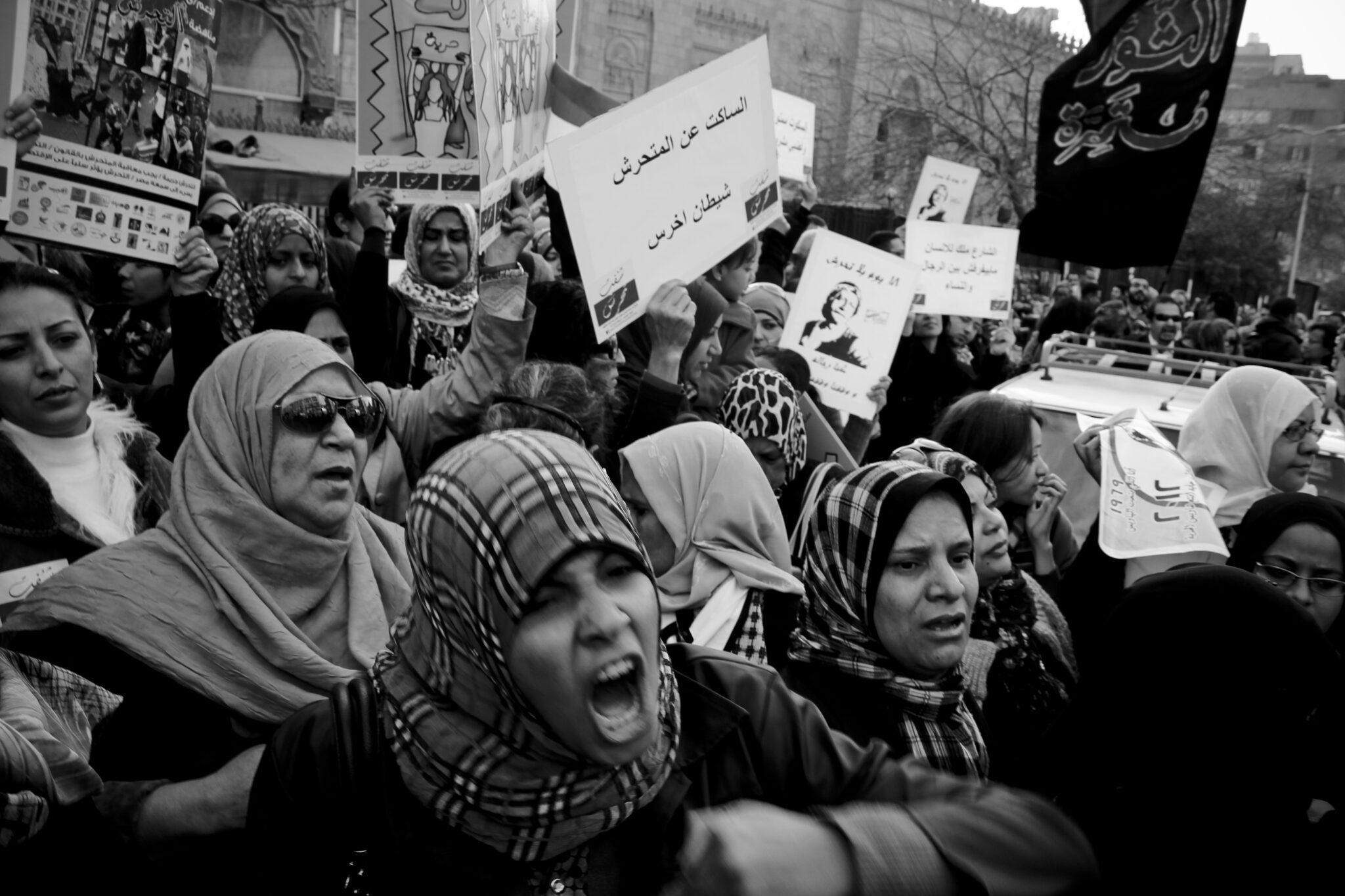 Frauen, die auf dem Tahrir-Platz gegen sexuelle Belästigung protestieren.