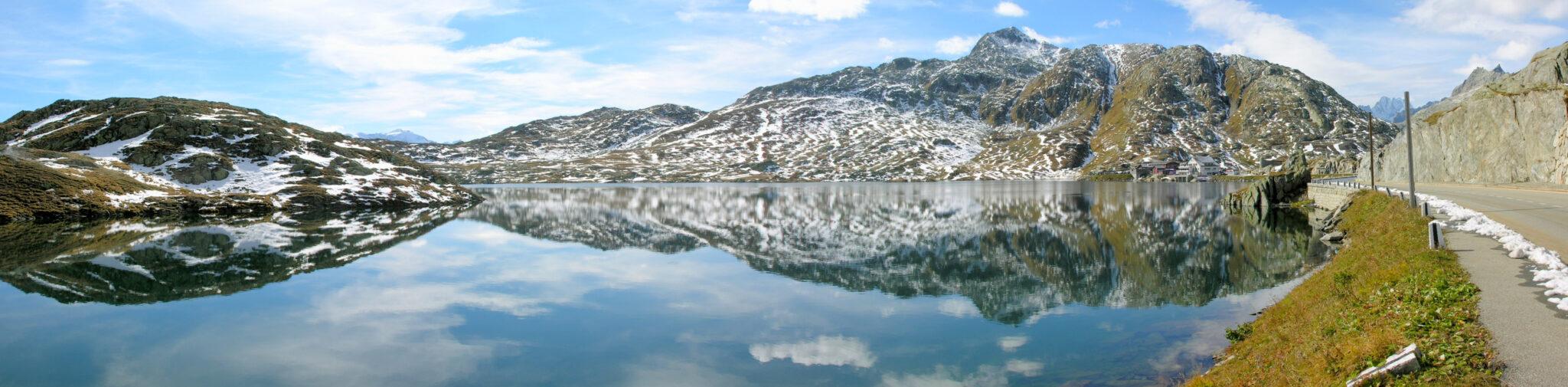 Der Totensee am Grimselpass.