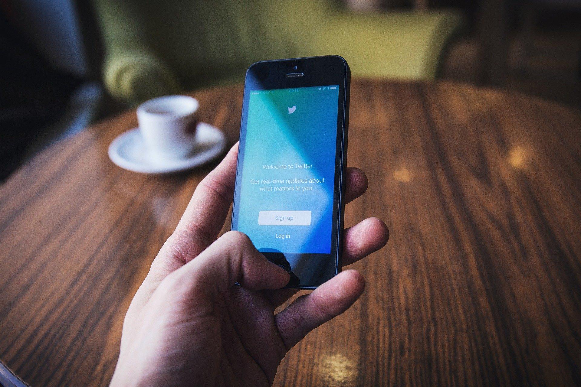 Twitter-Anmeldeseite auf Smartphone