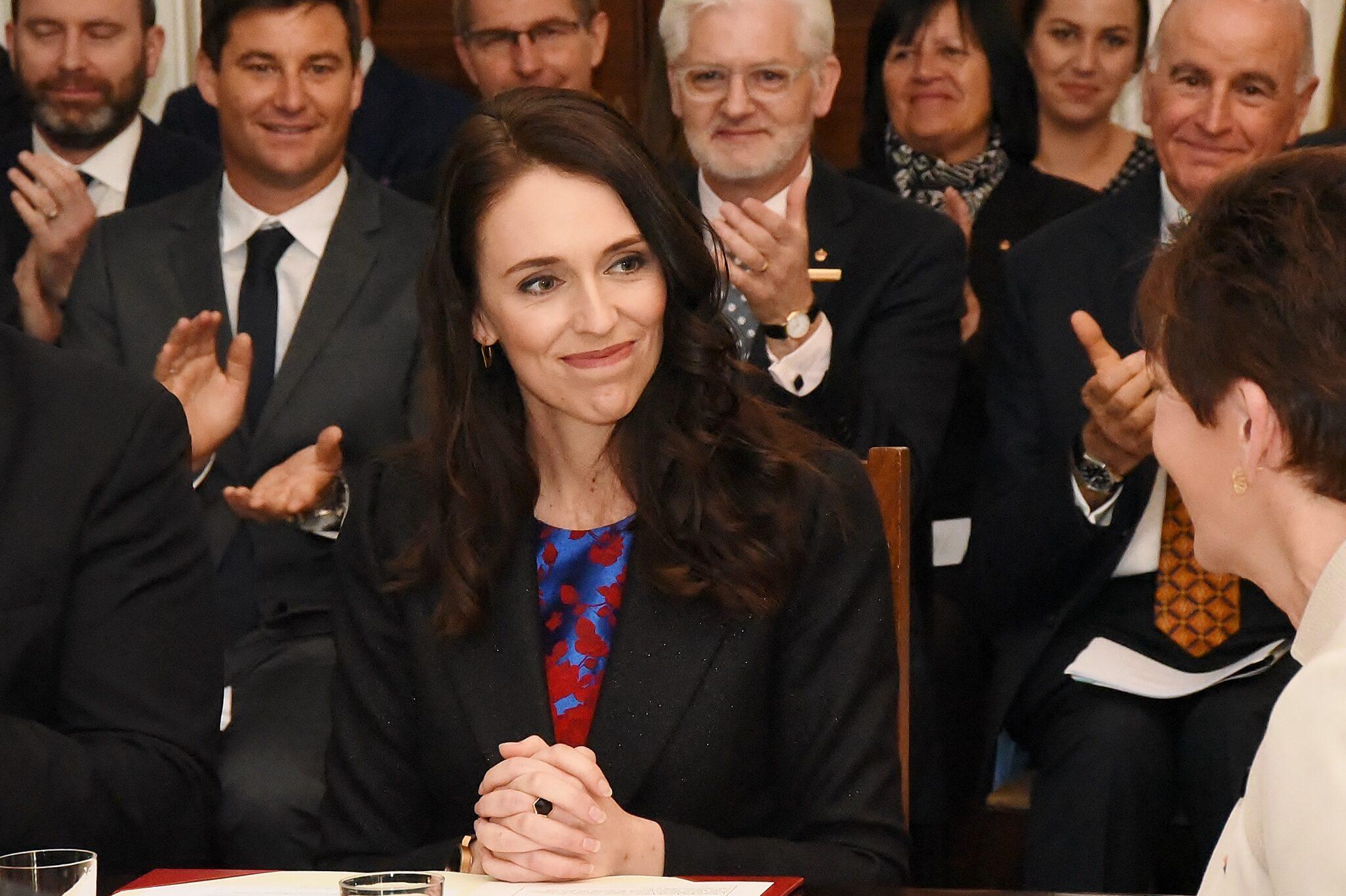 Jacinda Ardern bei der Vereinigung ihres Kabinetts