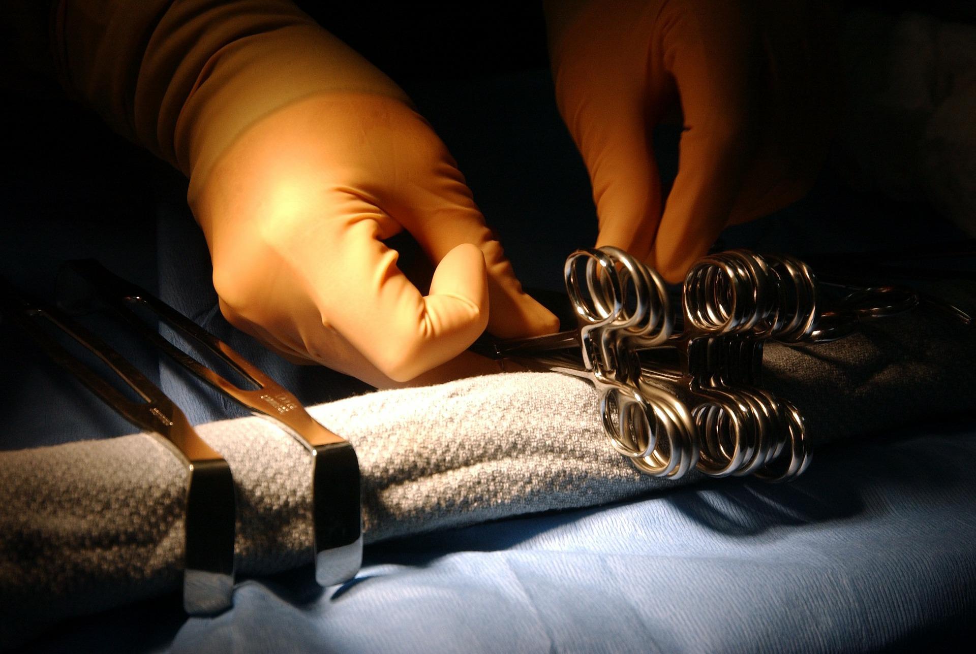 Chirurgische Instrumente.