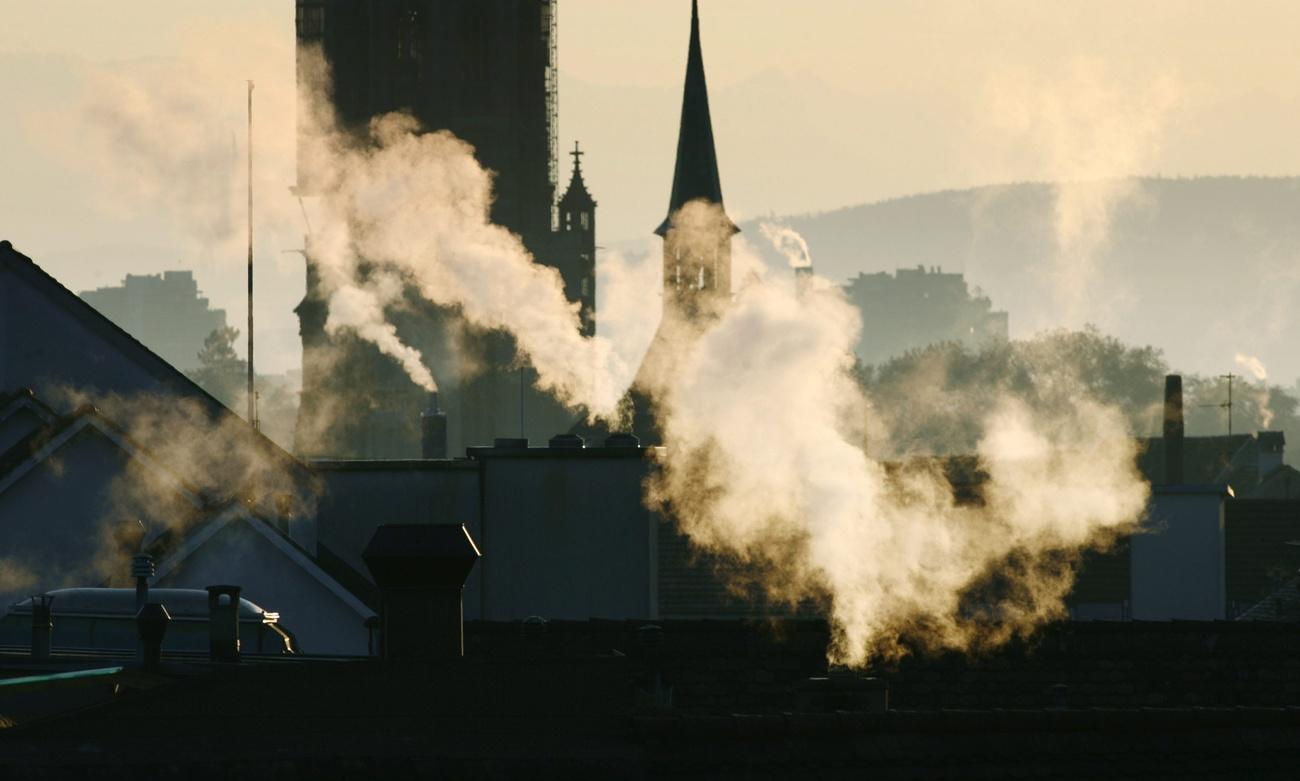 Rauch über den Dächern von Bern.