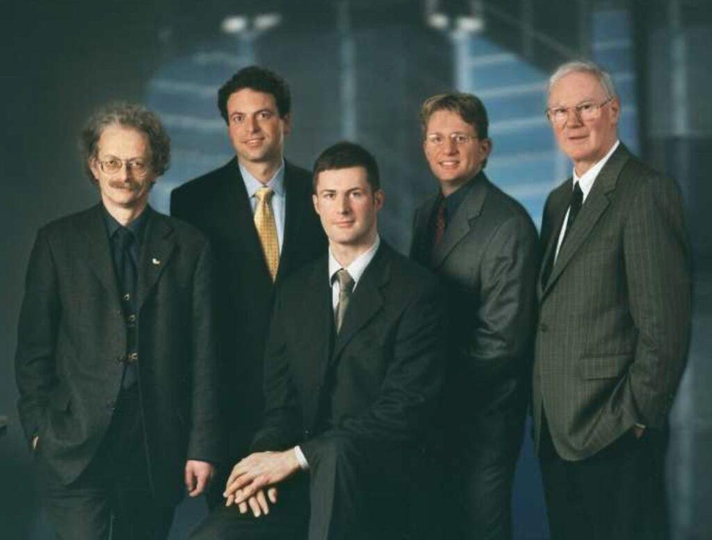 5 Männer im Anzug