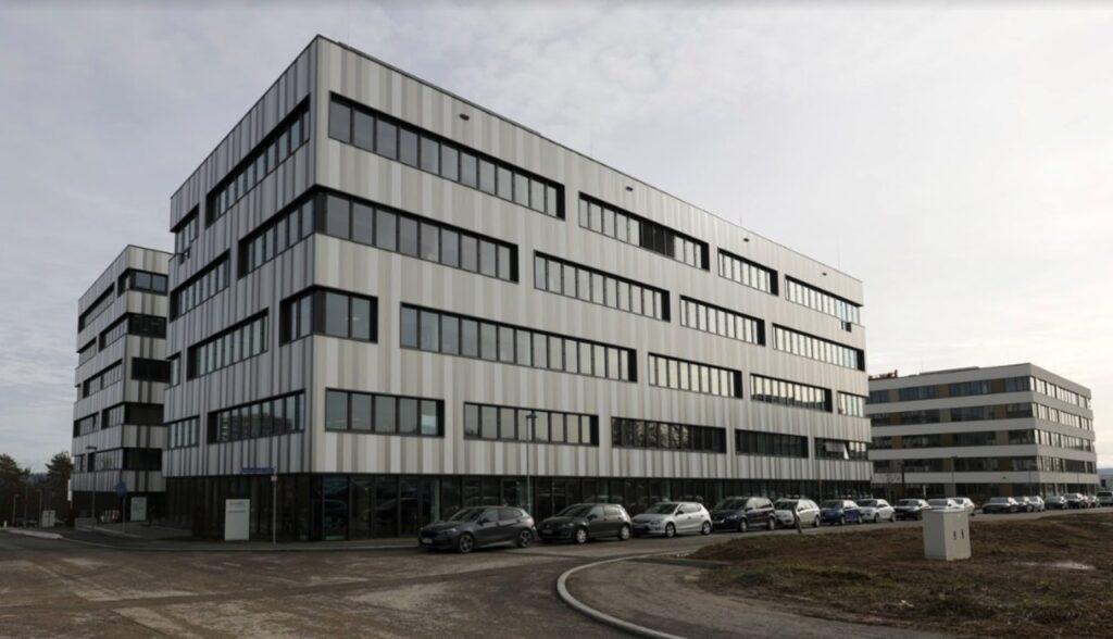 Ein modernes Firmengebäude.